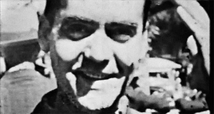 """Fotograma del documental """"El Ruiseñor y la Noche. Chavela Vargas canta a Lorca"""""""
