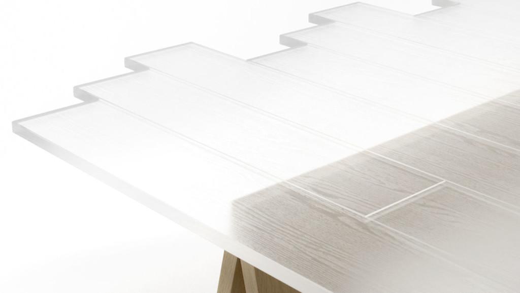 Detalle de mesa hecha con madera transparente. Imagen de Masayuki Hayashi.
